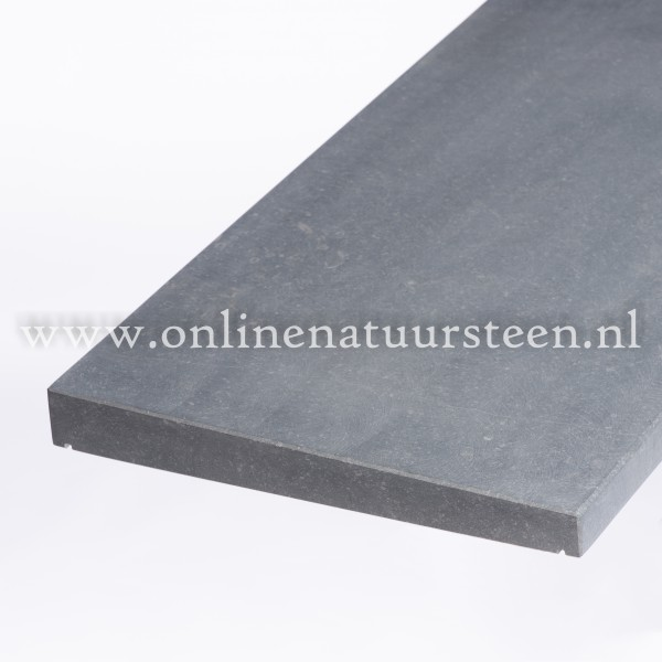 Belgisch hardsteen (gezoet) 1 zijdig aflopend model 5cm.