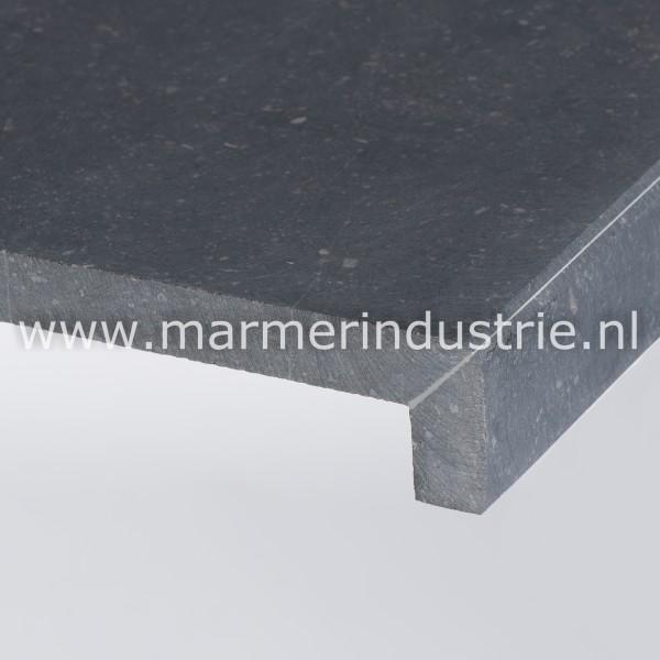 Belgisch hardsteen (gezoet) 2 cm.