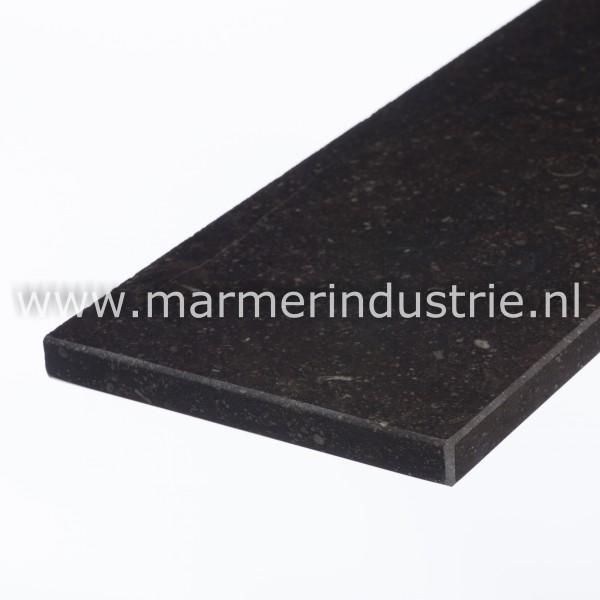 Belgisch hardsteen (donker gezoet) 2 cm.