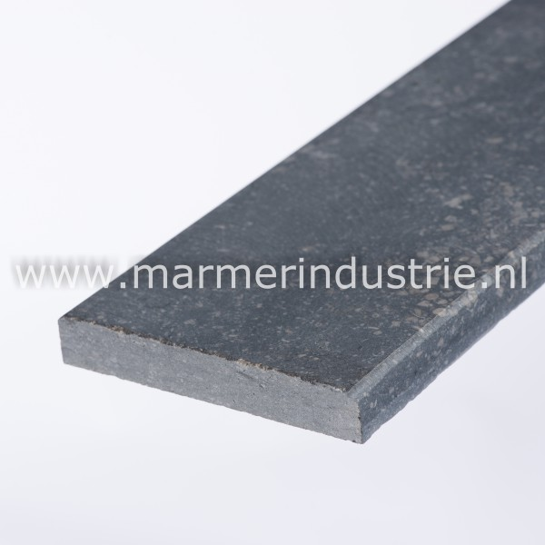 Belgisch hardsteen (gezoet) - 2 cm.