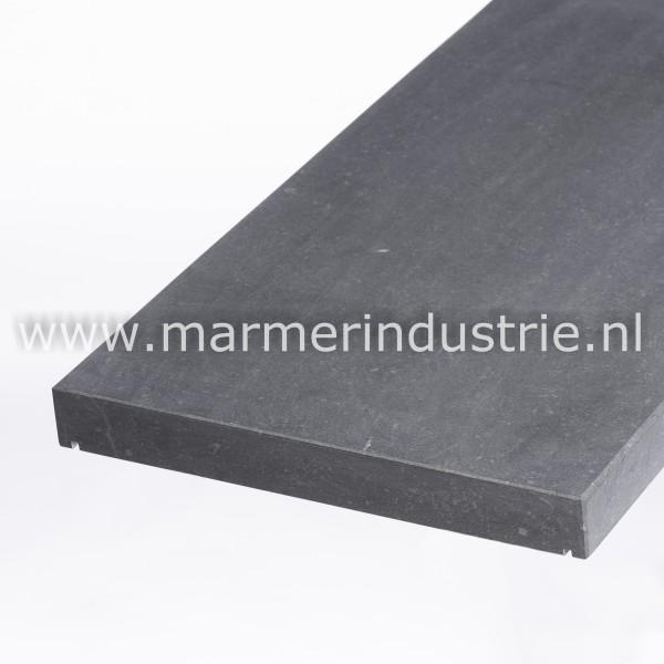 Belgisch hardsteen (gezoet) vlak model 4 cm.